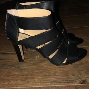 New (NWOT) Michael Kors Caged Leather Stacked Heel
